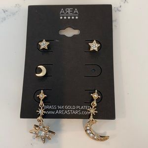 Area NWT Post Earring Set